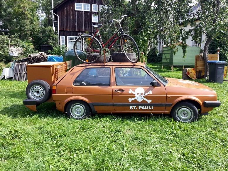 Kunsthaus Eigenregie - VW Golf Bierlager